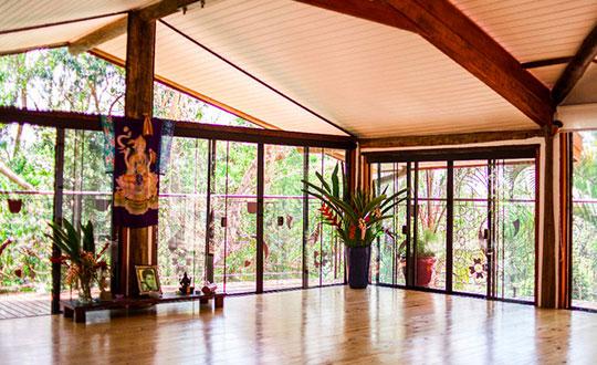 Curso intensivo de formação em yoga integral em Ilhabela