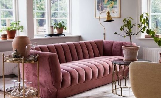 Para inspirar a escolha do sofá: decoração de séries